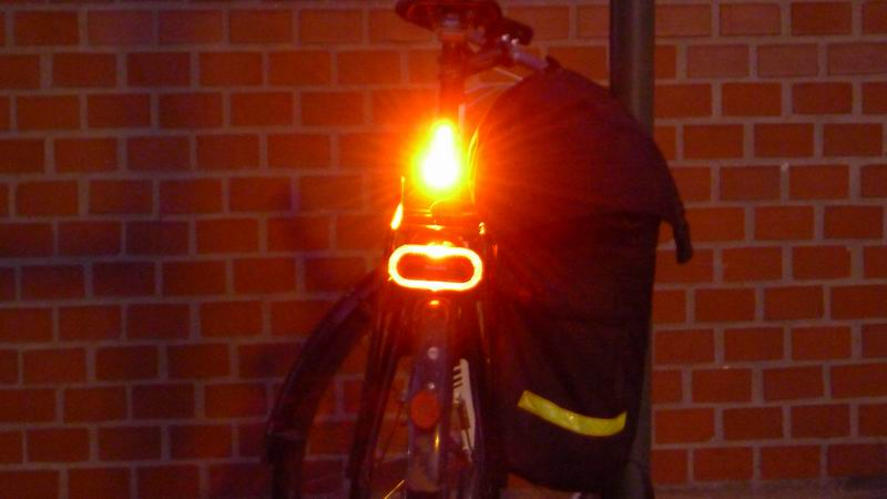 Knog Blinder R vs Philips Saferide